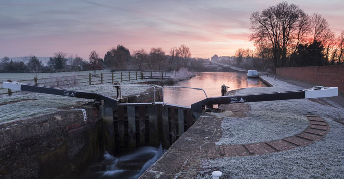 Caen Hill Locks at dawn