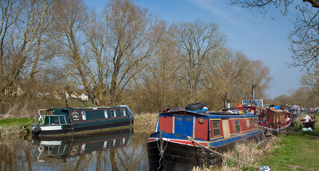 Canal boats at Great Bedwyn in Wiltshire