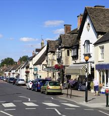 Cricklade Town Centre (C) Chris Lock