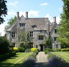 Avebury Manor