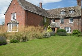 Grade II listed farmhouse in idyllic location
