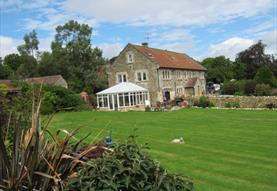 Converted barn, sleepy village, excellent base