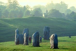 Megalithic Sites & Ley lines ?image=%2fdmsimgs%2favebury-web%282%29.